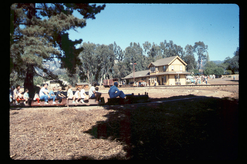 Depot Day train rides, 10/1990. acc2005.001.1411