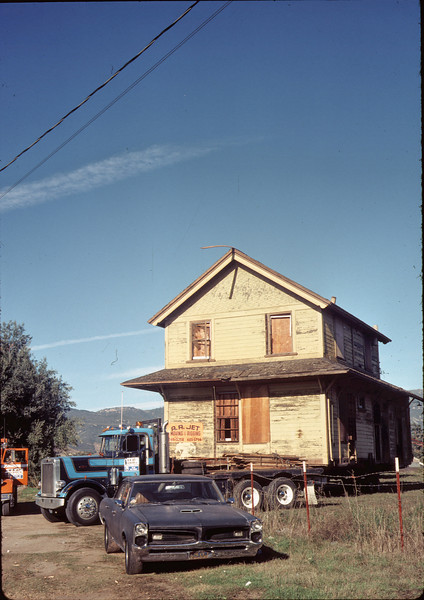 Moving Day, 11/18/1981. Parked in field off Kellogg Ave.. acc2005.001.0091A