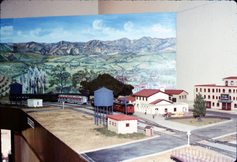 Model-Railroad Exhibit, 4/1988. acc2005.001.0933