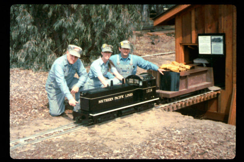 Jack Cogan and Karen and Randy Fallgatter pose with Engine #1316, 1991. acc2005.001.1454