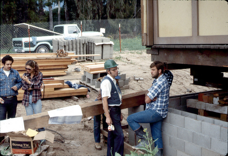 Ralph Moore and his apprentice carpenters class, 2/1982. acc2005.001.0166
