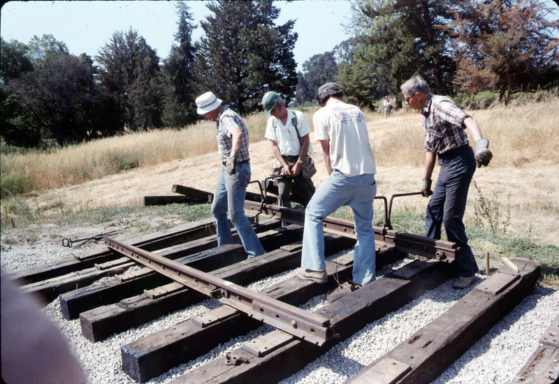 Laying of the standard-gauge track, 5/11/1985 acc2005.001.0525D