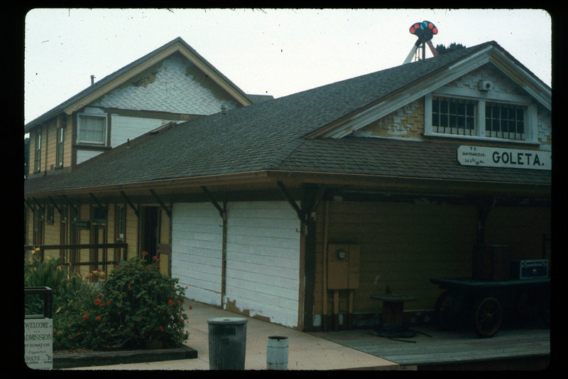Goleta Depot gets a new coat of paint, 1992. acc2005.001.1626