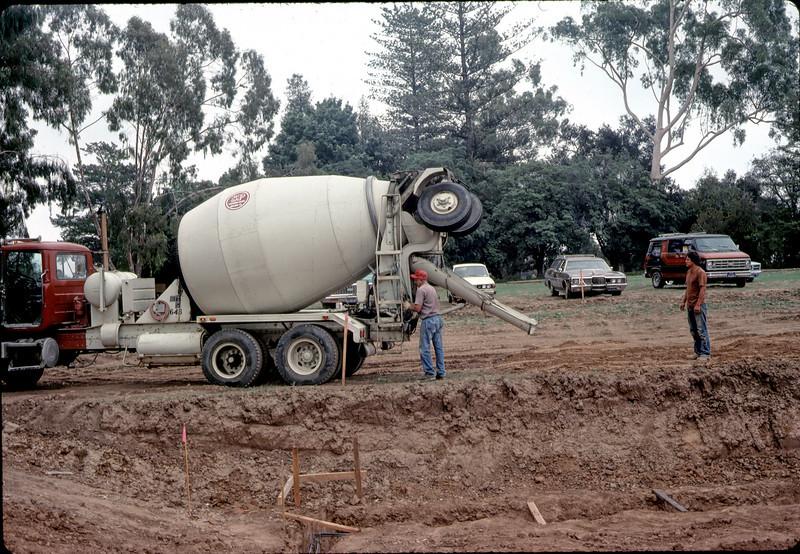 S.P. Milling delivers concrete, 11/12/1981. acc2005.001.0046