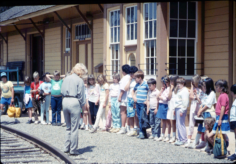 Phyllis Olsen leads a tour for La Patera Elementary School classes, 4/15/1987. acc2005.001.0742
