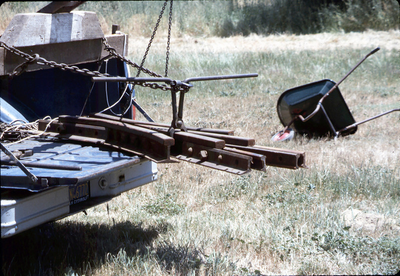 Standard-gauge track laying, 1985. acc2005.001.0533