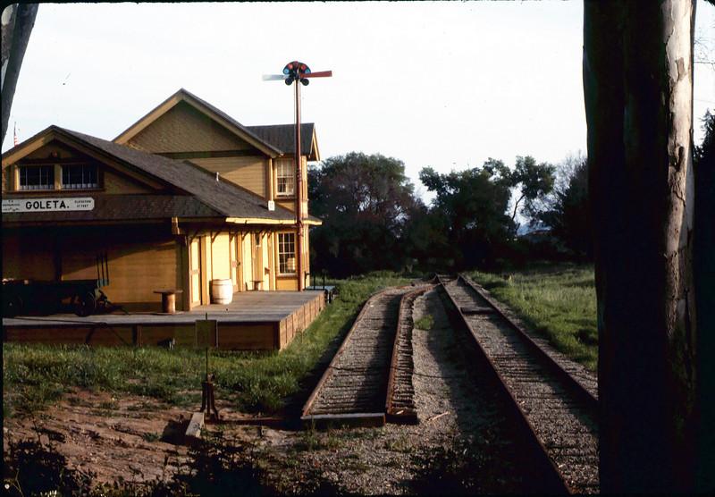 Plaque (left center) acknowledges track-project contributors, 3/1986. acc2005.001.0562