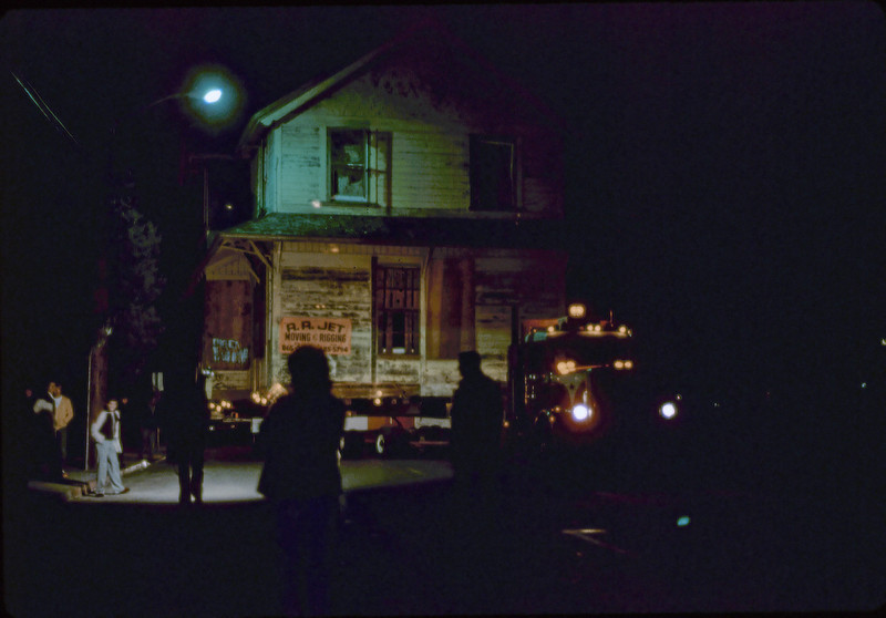 Night move, 11/18-19/1981. Michael Glassow photograph. Kellogg Ave. acc2005.001.0091C
