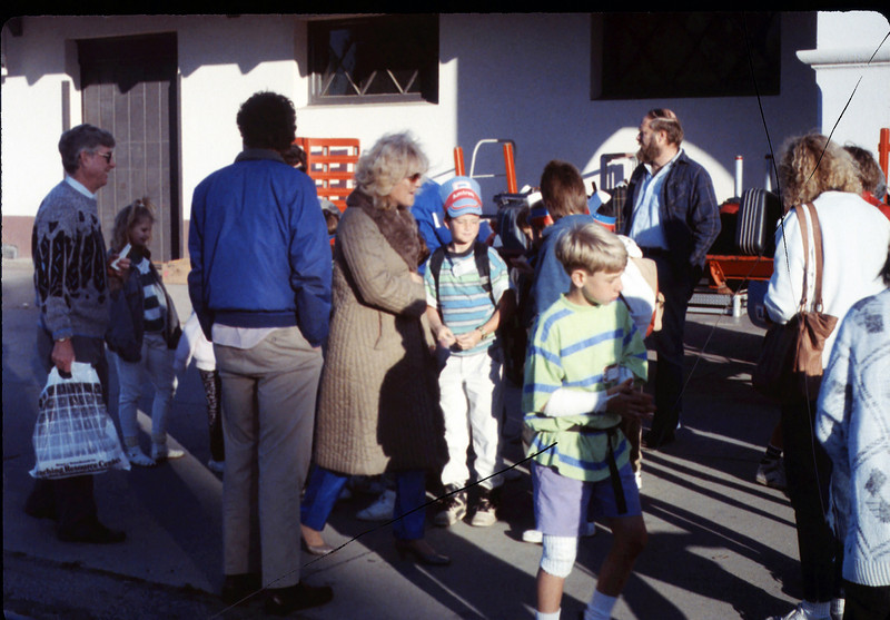 Foothill Elementary School 4th Grade trip to Glendale, 3/5/1990. acc2005.001.1260