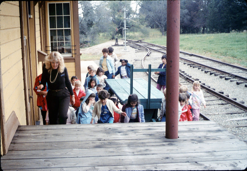 Phyllis Olsen gives a tour for La Patera Elementary School kindergarten class, 3/12/1987 acc2005.001.0714