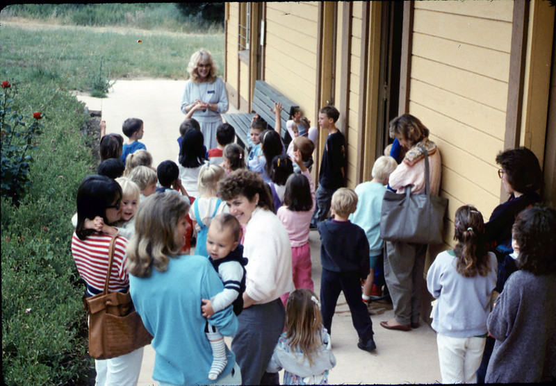 La Patera Elementary School guided tour led by Phyllis Olsen, 5/1988. acc2005.001.0944