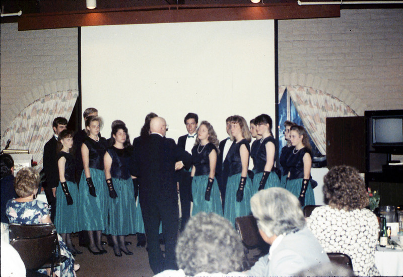 Annual Dinner at Holiday Inn (Dos Pueblos H.S. Madrigal singers), 5/11/1989 acc2005.001.1164