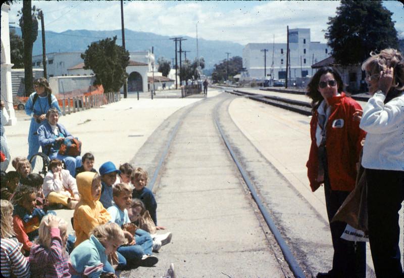 "La Patera Elementary School rail trip (SB station agent ""Tobie""), 5/6/1988. acc2005.001.0945"