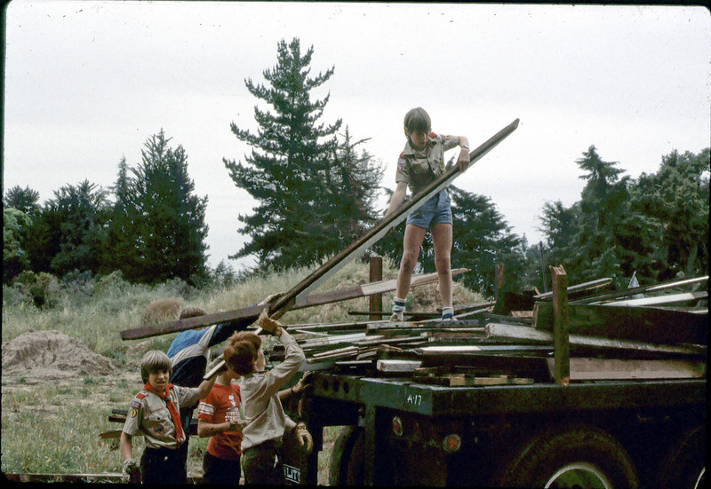 Boy Scout Troop 26 clean-up, 4/1982. acc2005.001.0206
