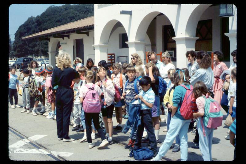 Kellogg Elementary School rail trip, 5/3/1990. acc2005.001.1329