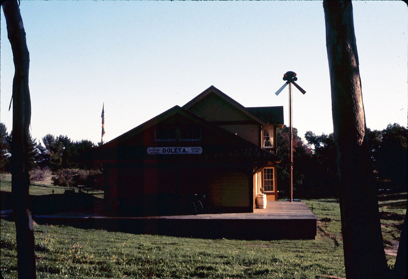 Goleta Depot exterior, 1/1985. acc2005.001.0464