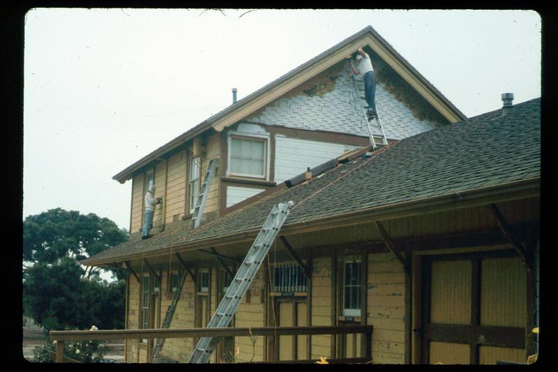 Goleta Depot gets a new coat of paint, 1992. acc2005.001.1641