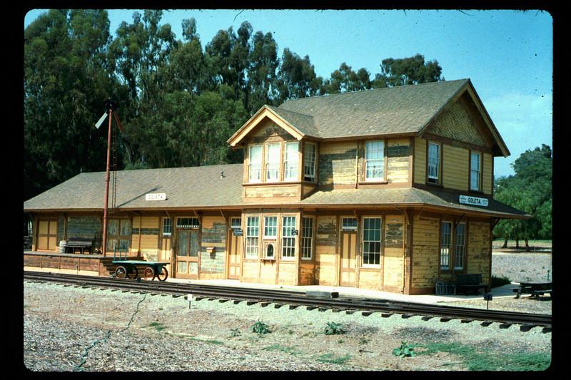 Goleta Depot gets a new coat of paint, 1992. acc2005.001.1624