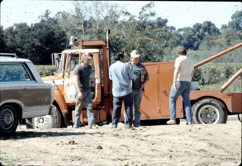 Movers leaving the site, 3/2/1982. acc2005.001.0172