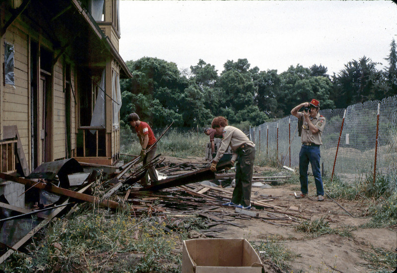 Boy Scout Troop 26 clean-up, 4/1982. acc2005.001.0208