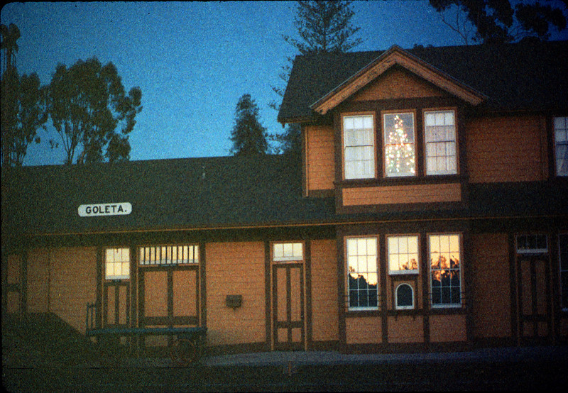 Goleta Depot front exterior with Christmas tree in upstairs bay, 12/1988. acc2005.001.1021
