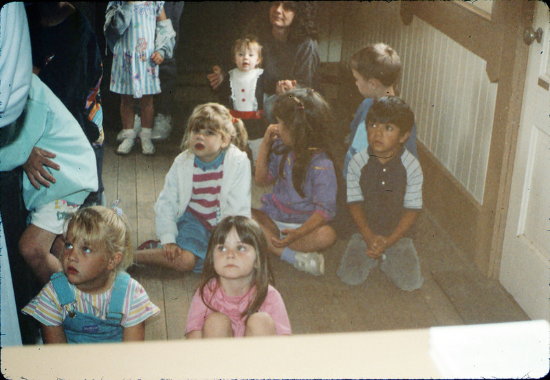 La Patera Elementary School guided tour led by Phyllis Olsen, 5/1988. acc2005.001.0939