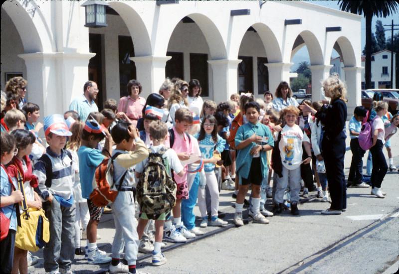 Kellogg Elementary School rail trip, 5/3/1990. acc2005.001.1328