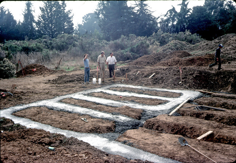 Pouring footings. Ray Baird and Londi Ciabattoni, 11/12/1981. acc2005.001.0042