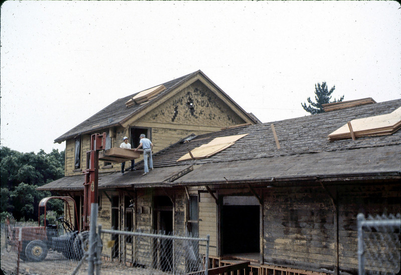 New roof (Bob Mowry with back to camera), 6/1982. . acc2005.001.0242