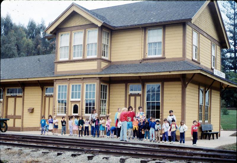 Phyllis Olsen gives a tour for Monte Vista Elementary School kindergarten class, 3/10/1987 acc2005.001.0710