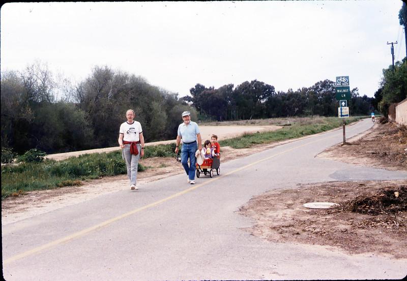 1987 Asphalt Regatta spring fundraiser - John Starr and Gene Boswell. acc2005.001.0774