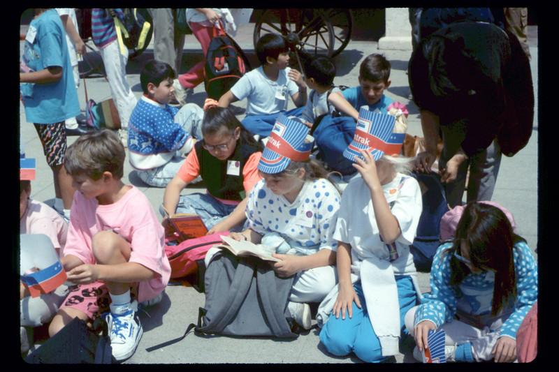 Kellogg Elementary School rail trip, 5/3/1990. acc2005.001.1330