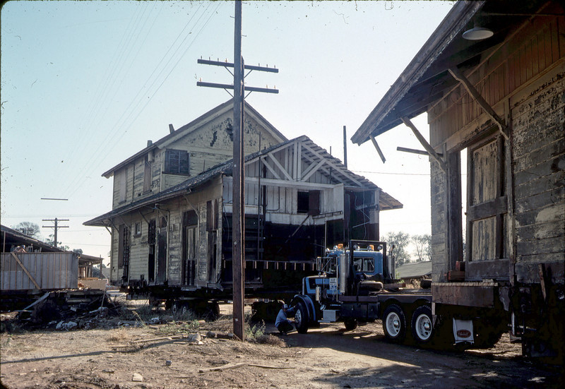 Moving Day, 11/18/1981. acc2005.001.0062