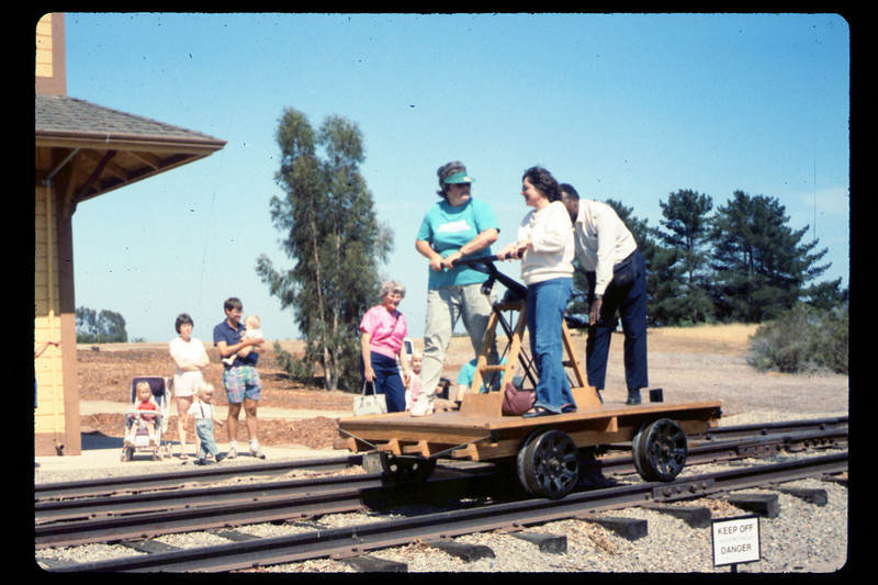 Handcar rides, 6/1990. acc2005.001.1365