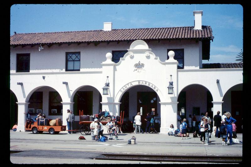 Foothill Elementary School rail trip, 3/22/1990. acc2005.001.1324