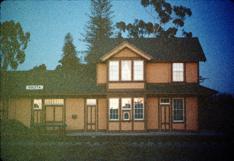 Goleta Depot front exterior with Christmas tree in upstairs bay, 12/1988. acc2005.001.1019