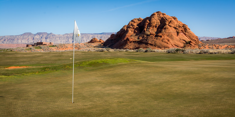 The 10th green at Sand Hollow Golf Resort