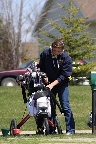 Golf 5-2-11 009