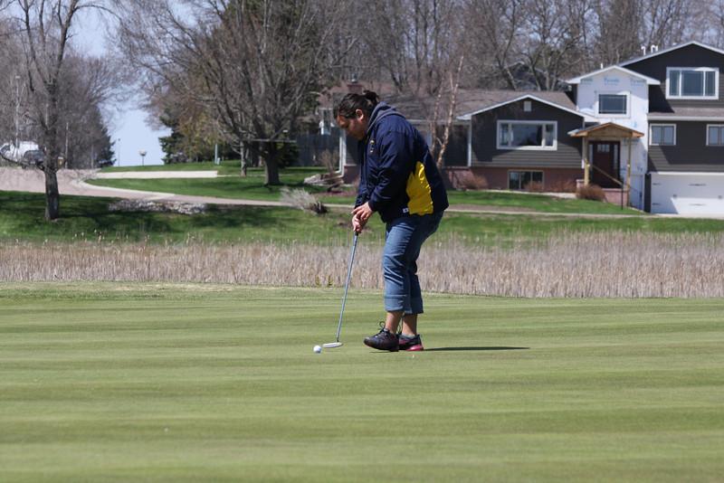 Golf 5-2-11 031