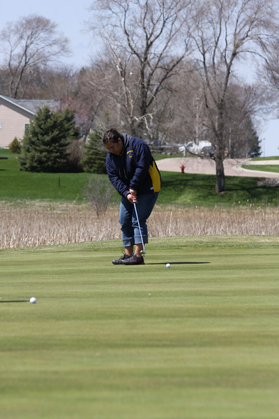 Golf 5-2-11 026