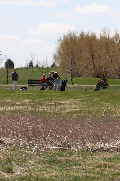 Golf 5-2-11 043