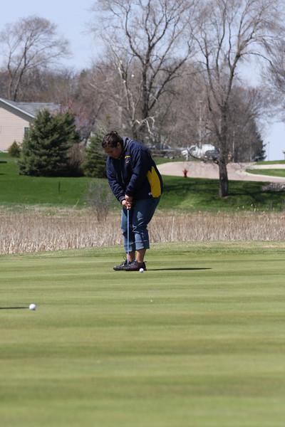 Golf 5-2-11 025