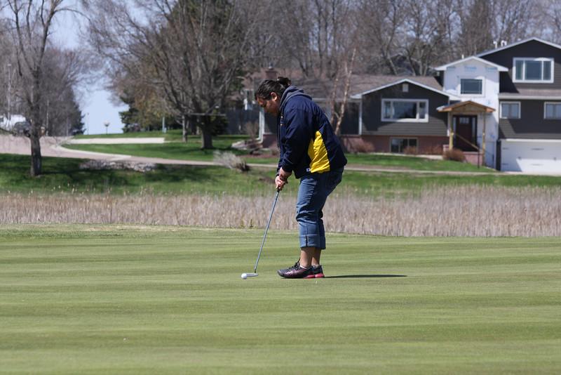 Golf 5-2-11 030