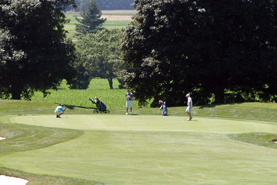 Monday July 4, 2011:  Beverley Golf and Country Club serves as the backdrop for the 2nd stop on the tour with a field of 48 finishers.   Not a cloud in the sky and a slight breeze, the weather could not be any better for a day of golf.  Nick shot  a disappointing 84, 3-putting the final hole with a 10 foot birdie chance with left him 25th (20th for the tour).  Ben shot a 86, good for 30th (31st for the tour to date).  Pat shot a 97, good for 43rd while Ross shot a 101 for 46th.
