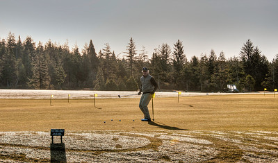 Robert practices putting before heading out for the round at Bandon Dunes.