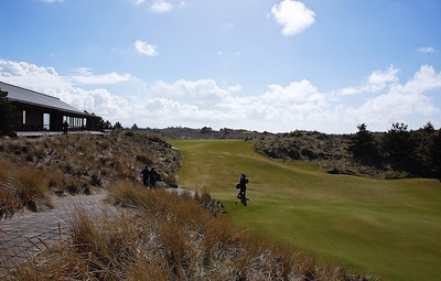 bandon-trails-golf-club-house