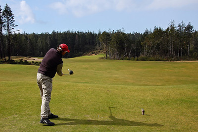 bandon-trails-golf-tee-shot