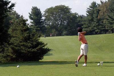 A slice off the first hole on Wood did not cause any problem as Nick narrowly missed a birdie for a par.