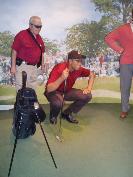 "Sammy helping Tiger line up his putt!<br /> <a href=""http://www.vegas.com/attractions/on-the-strip/venetian-madame-tussauds/"">http://www.vegas.com/attractions/on-the-strip/venetian-madame-tussauds/</a>"