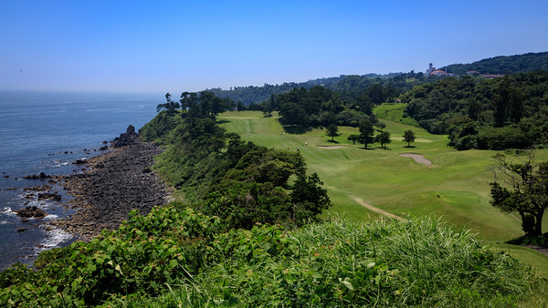 Kawana, Fuji Course - view of the 15th hole from the tee box